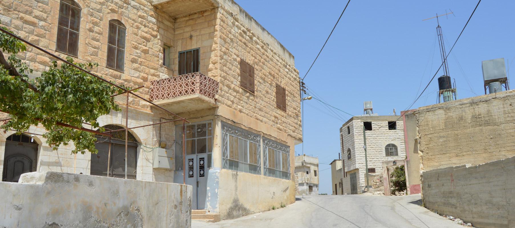 Deir Sharaf, Palestine